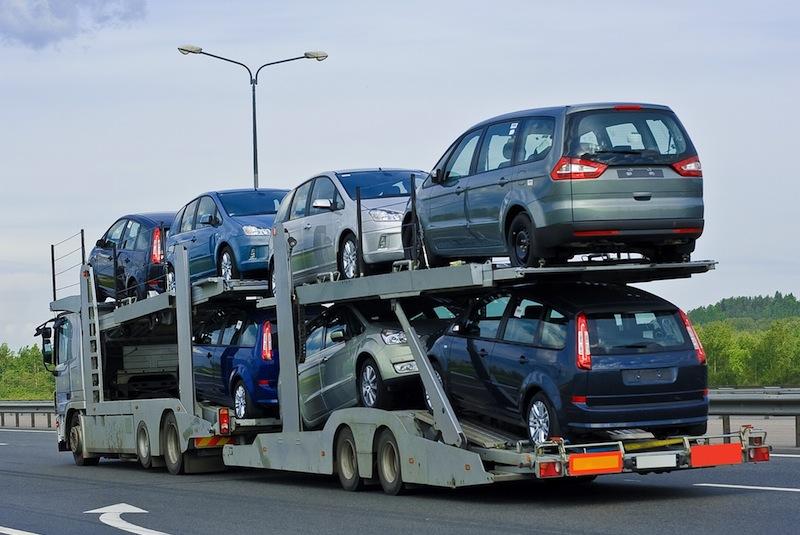 Expedicar propose du convoyage sur des camions porte voitures